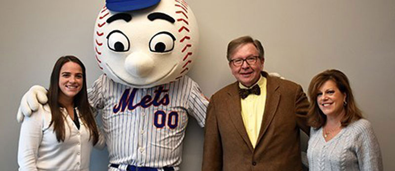 Mill Neck Graduate Celebrates 50 Years as the Mets Mailman
